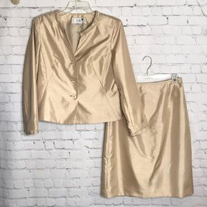Le Suit 2pc Shantung skirt and jacket set